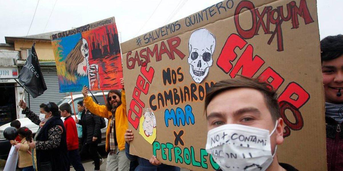 La nube tóxica de Quintero a La Moneda: critican vínculos entre Piñera y ministra de Medio Ambiente con empresa química