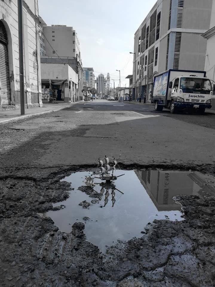 Los hundimientos dañan las calles y monumentos Cortesía.
