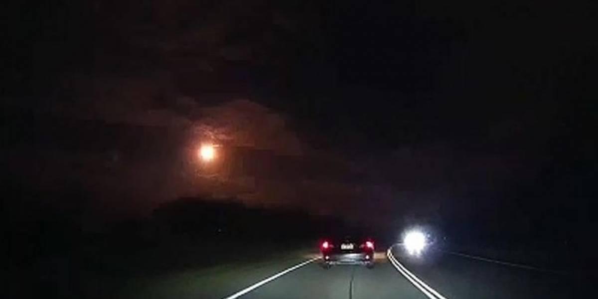 """""""Visitante interestelar"""" causa pánico en Australia: aterrorizados vecinos captaron momento exacto en """"que el cielo se cayó"""""""