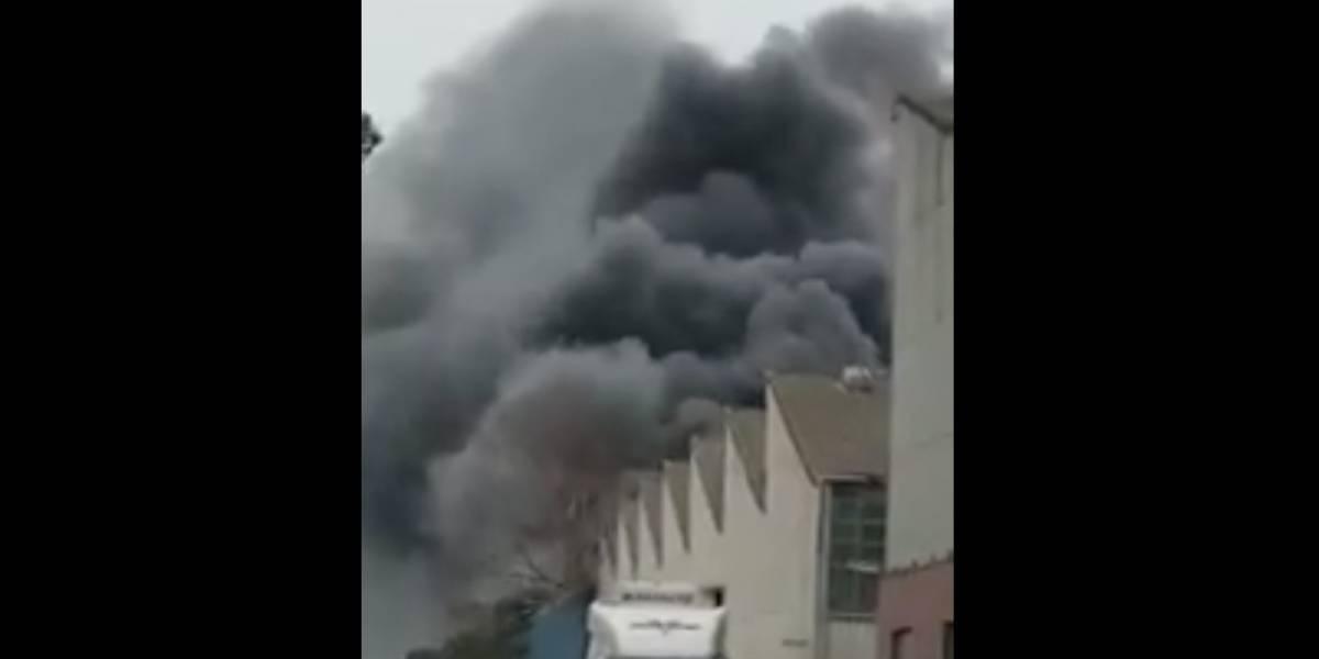 Nube de gas tóxico en Australia: las impactantes imágenes del gigantesco incendio que afectó a una planta química en Melbourne