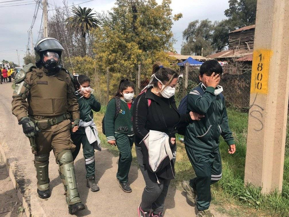 Nube tóxica en Maipú: alertan que humo se moverá a otras comunas y 300 alumnos esperan ser retirados por sus apoderados