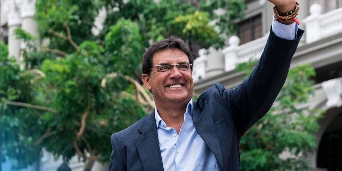 El presentador Carlos Luis Morales se despide de su canal