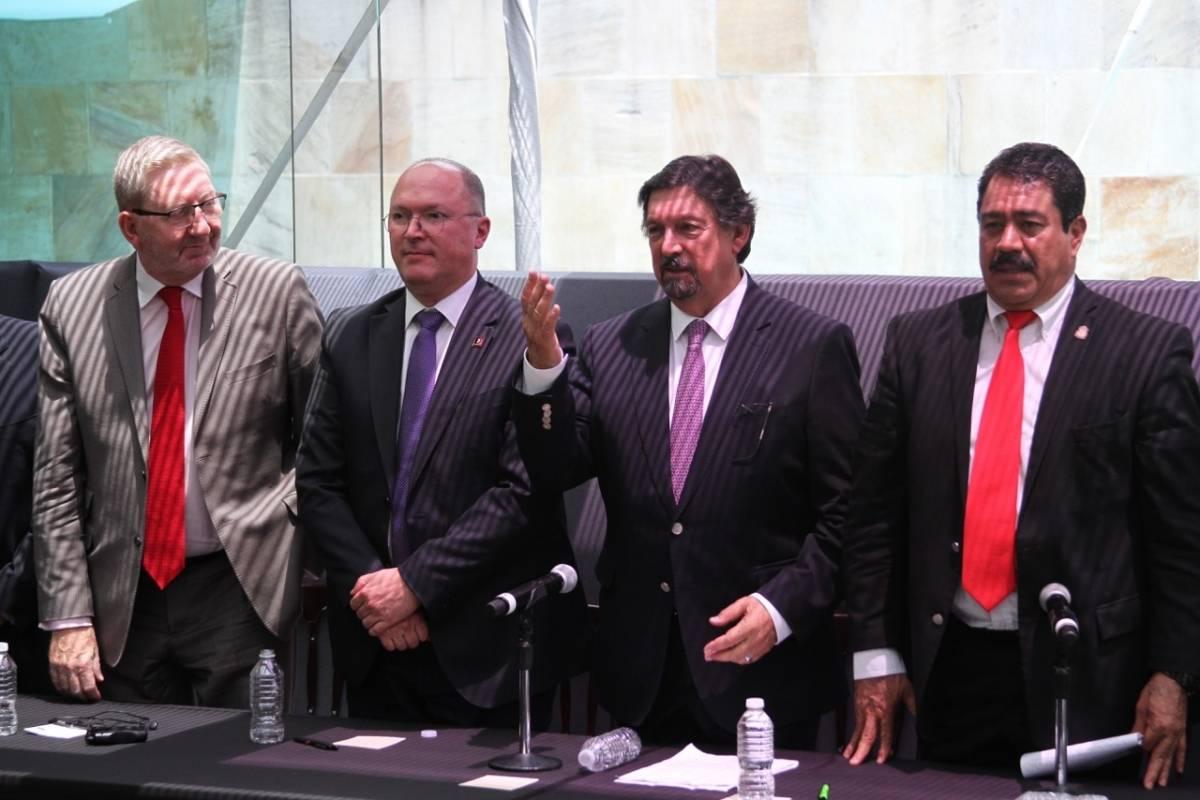 La conferencia de prensa se ofreció luego de 12 años retirado de la vida pública. Foto: Nicolás Corte.