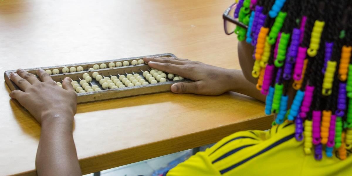 Niños ciegos y sordos: la lucha por sobreponerse a la discapacidad