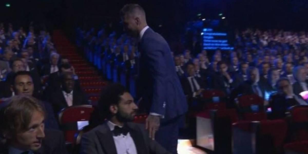 VIDEO. El incómodo gesto entre Sergio Ramos y Mohamed Salah del que todos hablan
