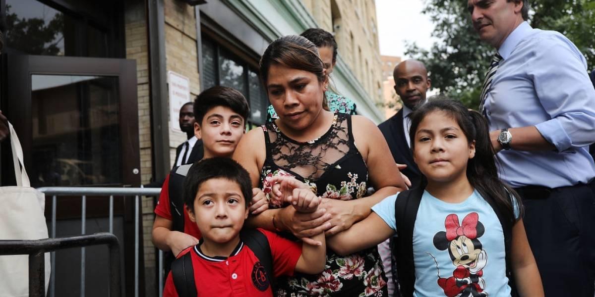 Hispanos en Texas acusan al gobierno de Trump de negarles el pasaporte
