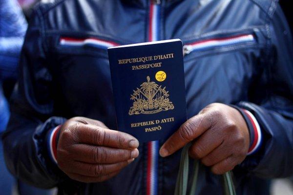 "Analizan ""plan retorno"" para haitianos"