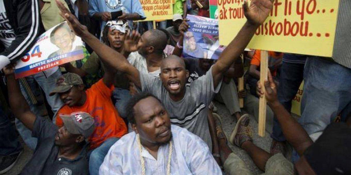 Haitianos vuelven a manifestarse en las calles en contra de la corrupción