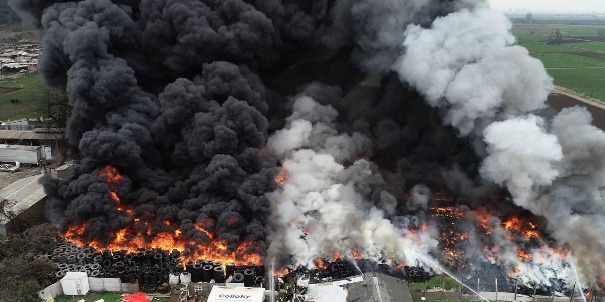 Bebé resultó con pérdida de conciencia en incendio de Maipú: padres no evacuaron la zona ya que no hablaban español