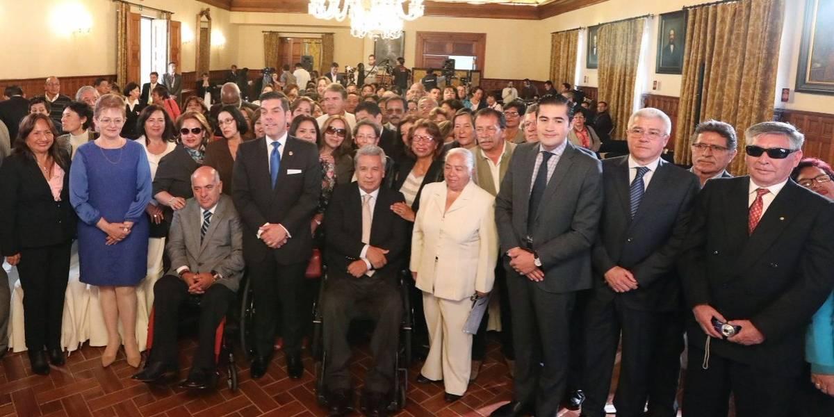 Servidores públicos que se jubilaron al cumplir 70 años recibirán la compensación
