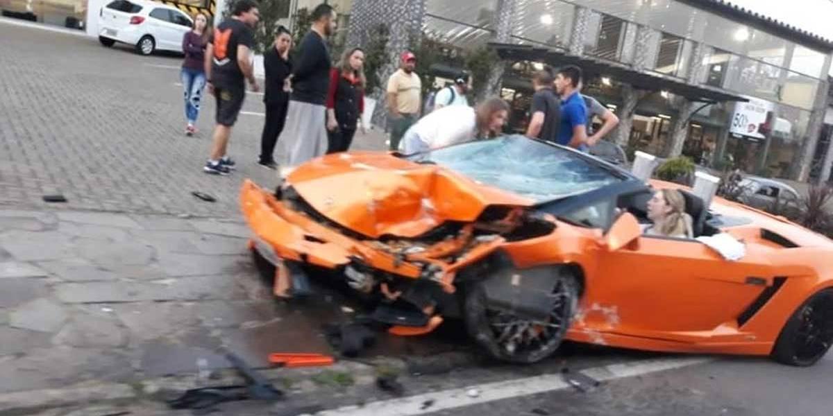 Passeio Caro: Turista Bate Lamborghini Alugada Em Gramado