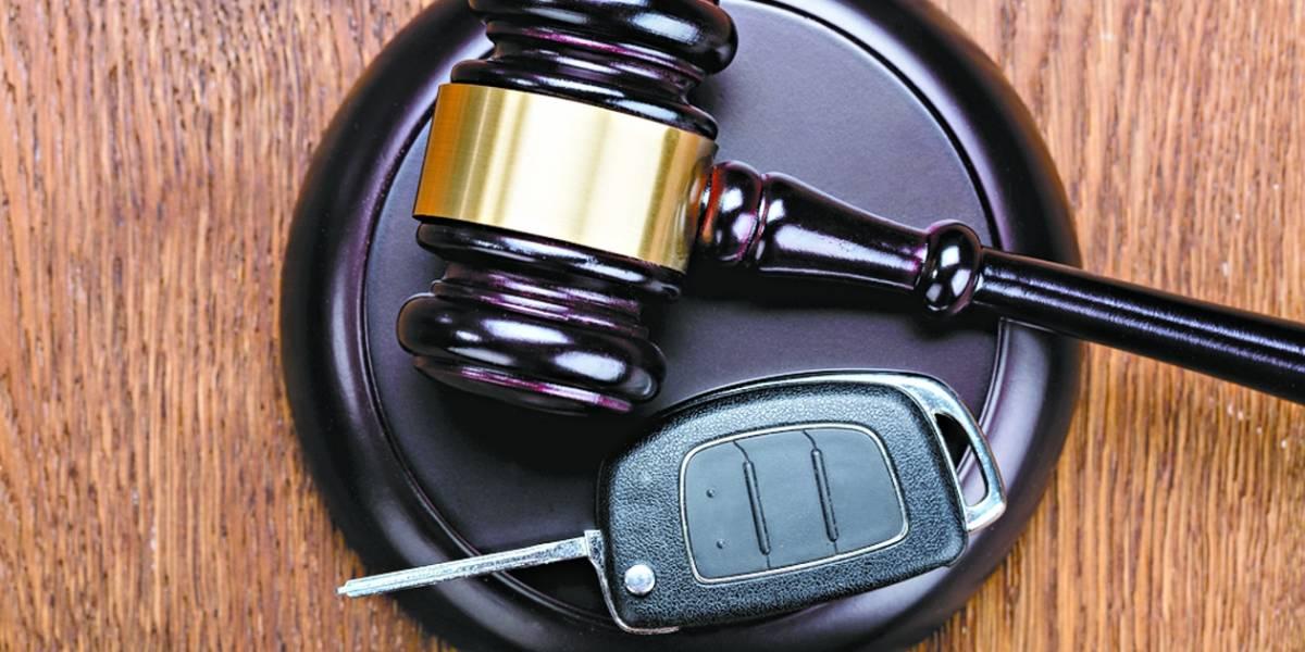 As vantagens e desvantagens de comprar um carro de leilão