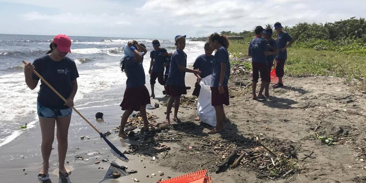 """Realizan """"limpiatón"""" en seis playas que culminará en el río Motagua"""