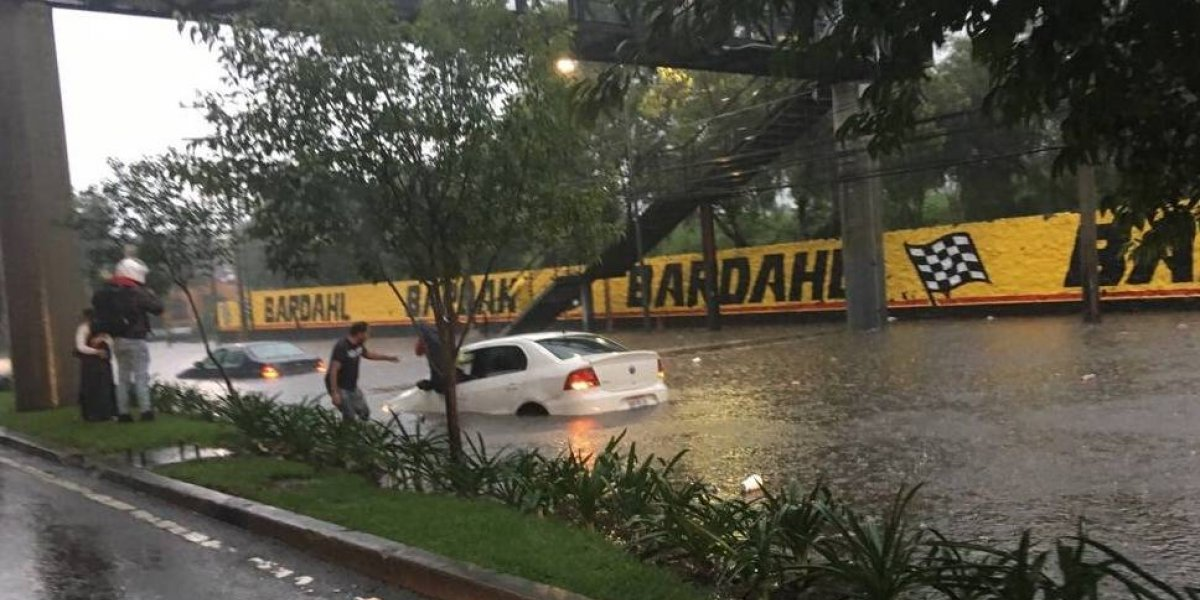 Cuatro delegaciones se inundan por las fuertes lluvias