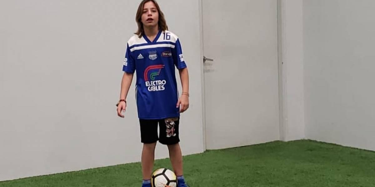 """""""Luis Miguel"""" se pone la camiseta de Emelec"""