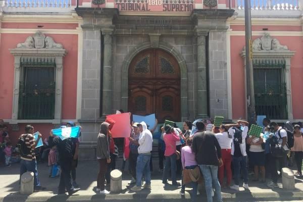 manifestación contra CICIG frente al TSE
