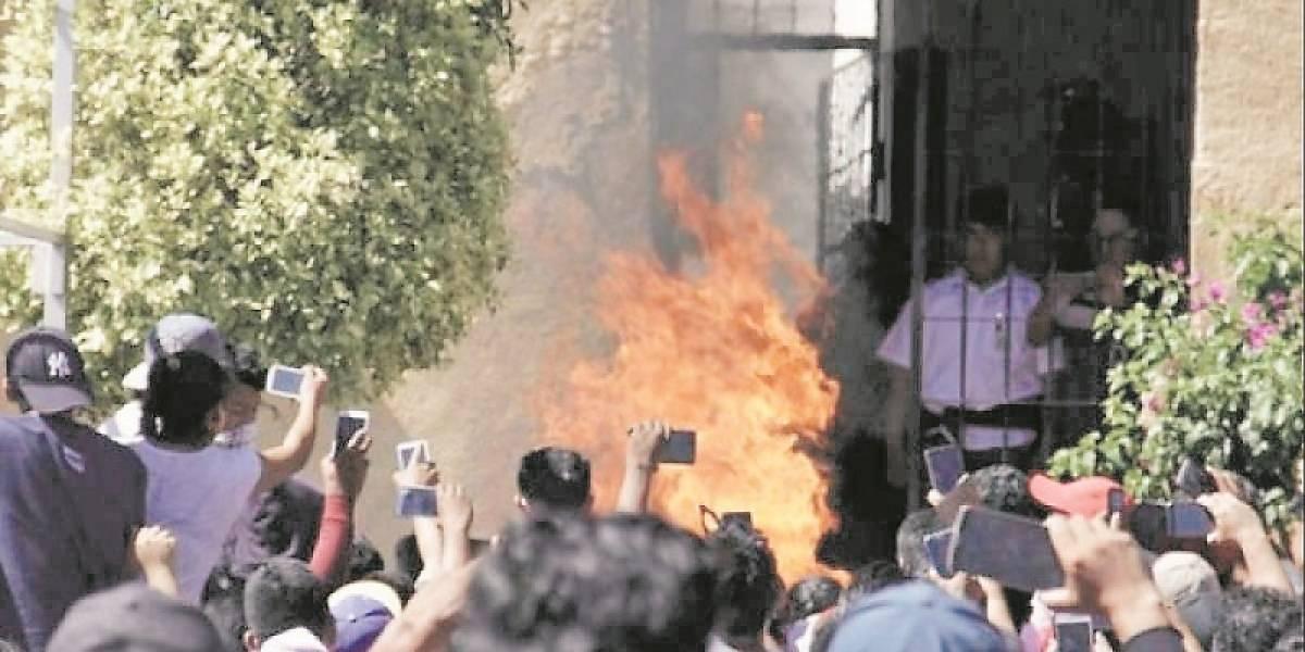 México: linchan a dos hombres acusados de raptar niños