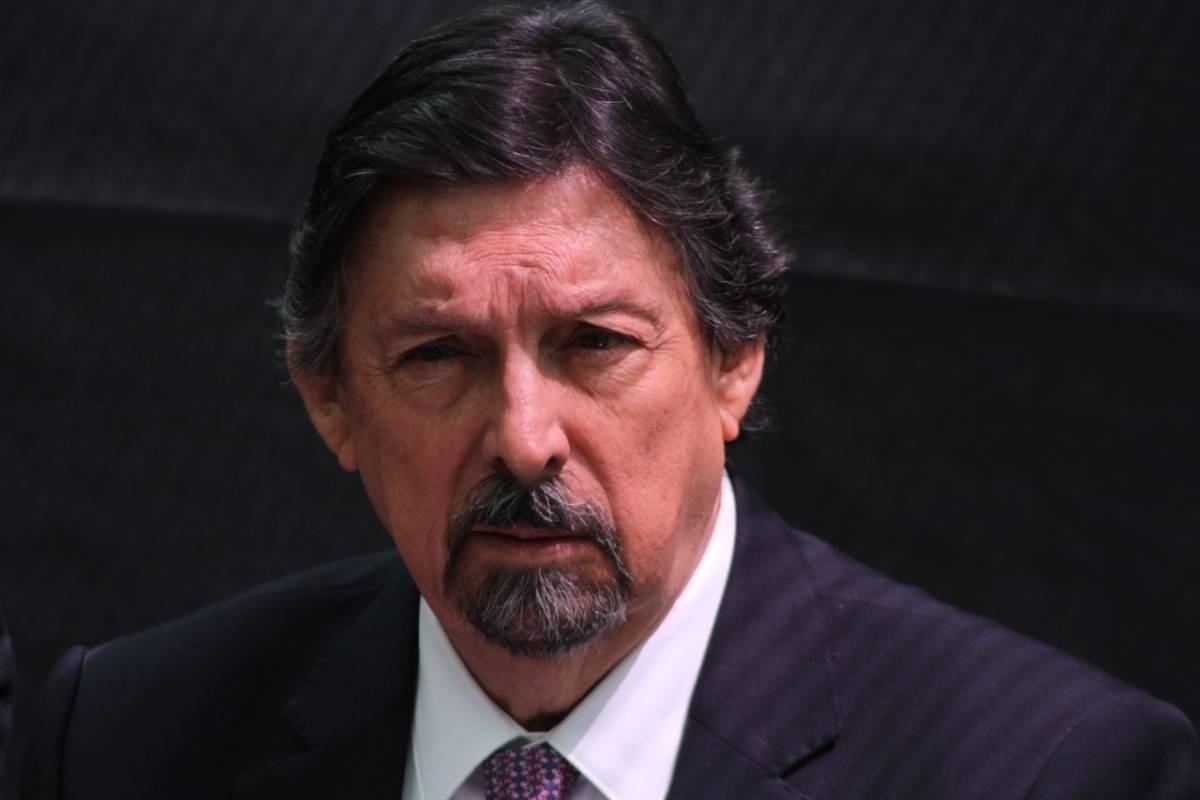 El líder minero tomó protesta como senador de la República. Foto: Nicolás Corte.