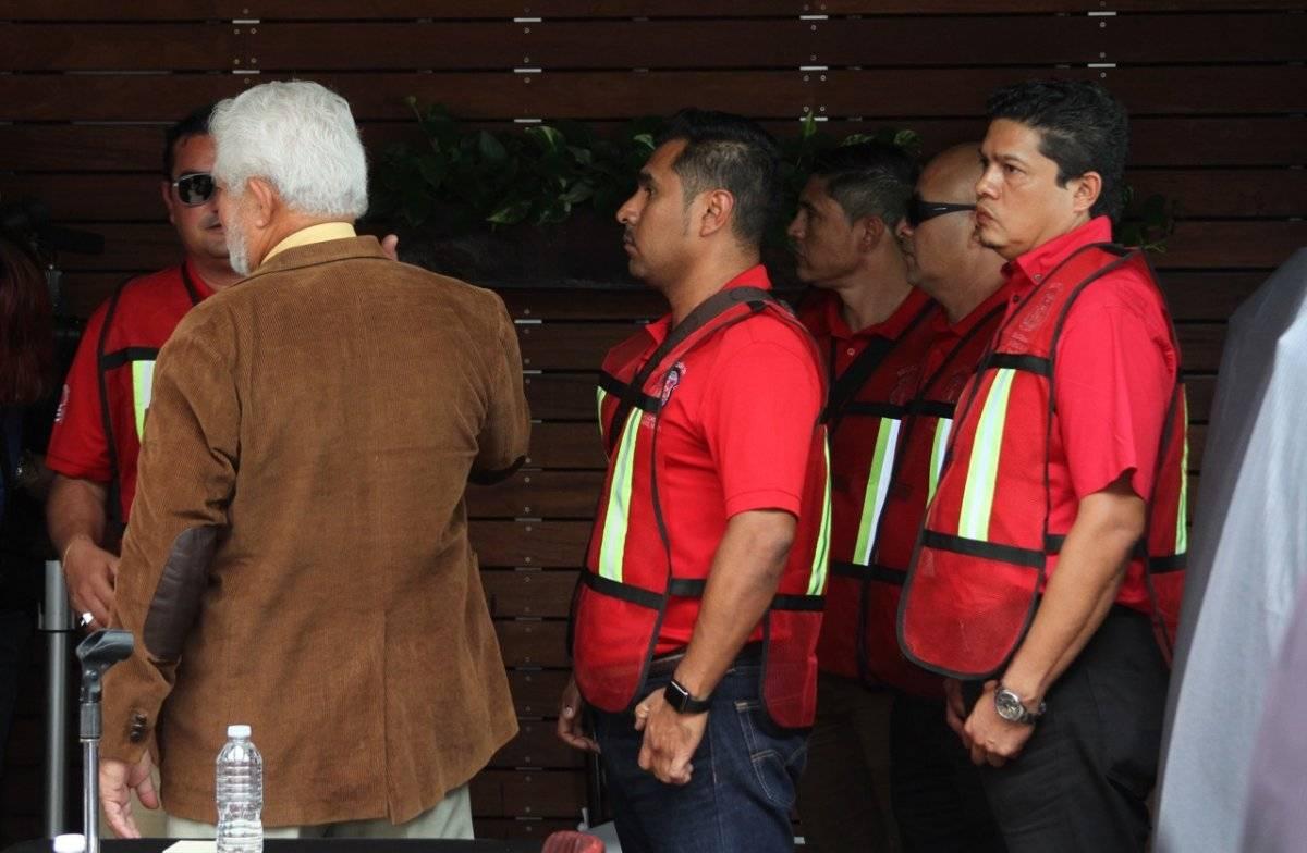 Integrantes del sindicato se encargan de brindarle seguridad al líder minero. Foto: Nicolás Corte.