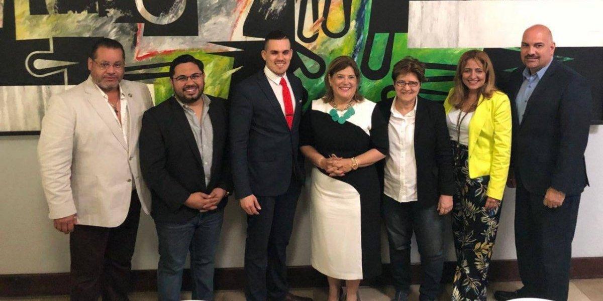 Consejo Asesor del Gobernador en Asuntos LGBTT celebra encuentro en el oeste