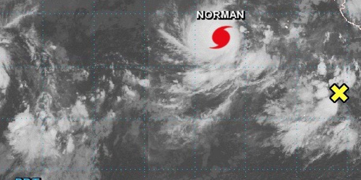 Huracán Norman sube a categoría 4