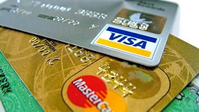 Oficial: Ingeniero informático habría estado detrás de la filtración de datos de tarjetas bancarias
