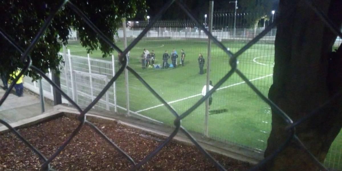 Comando armado ataca a jugadores de futbol amateur en medio partido en México