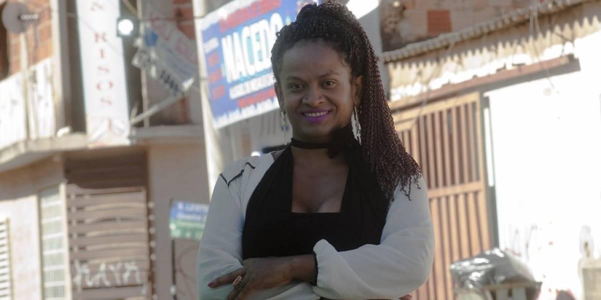A professora transexual que trocou indenização de R$ 20 mil pela chance de dar aula a seus agressores