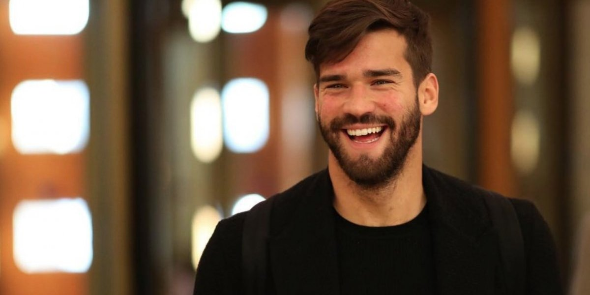 Filtran supuesto video sexual de Alisson Becker con tres mujeres