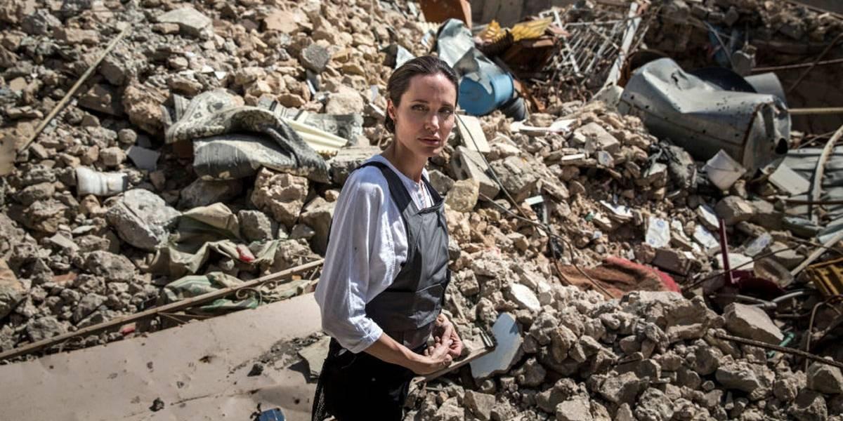 Angelina Jolie estaria pesando menos de 35 kg e preocupa amigos e família