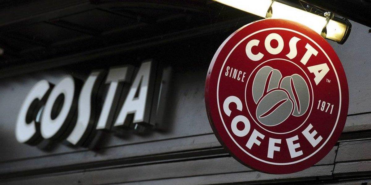 Te salió gente al camino, Starbucks: Coca-Cola compró un peso pesado de las cafeterías y se mete de lleno al mercado de las bebidas calientes