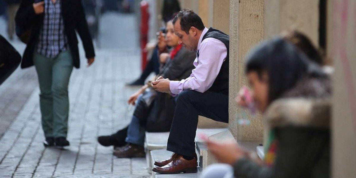 Mercado laboral sigue de capa caída: desempleo en el Gran Santiago se ubicó en 7,4% en diciembre