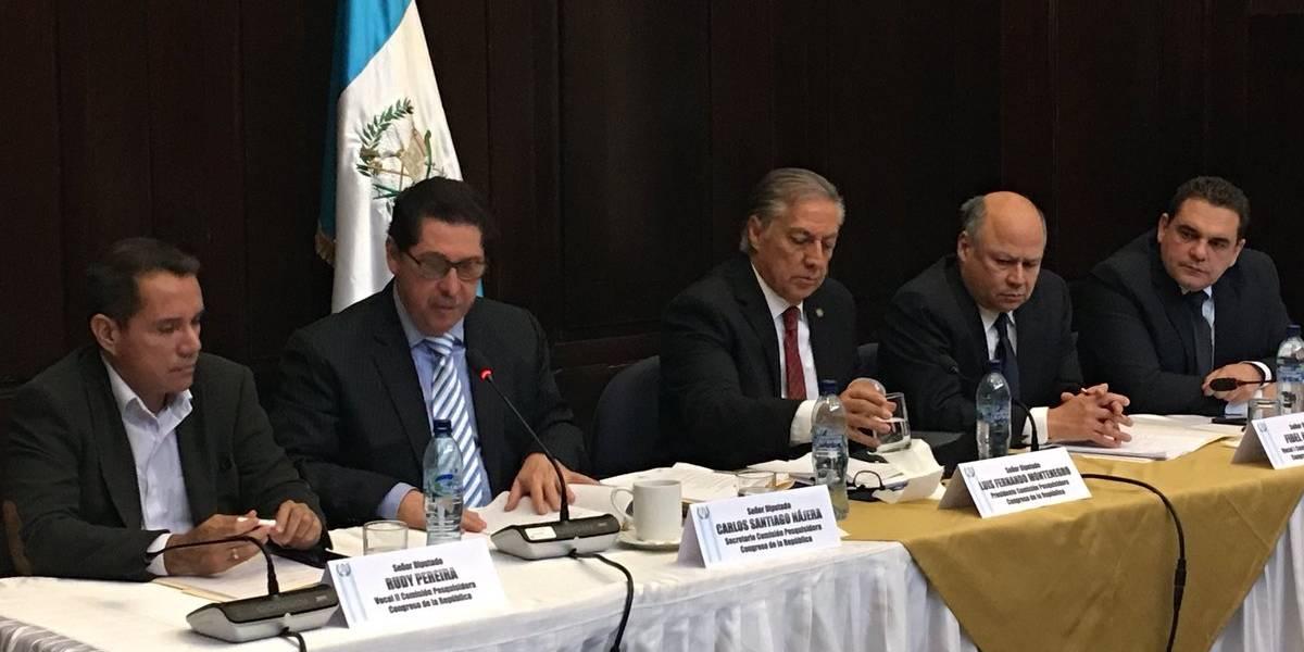 Comisión pesquisidora que conoce antejuicio del presidente Jimmy Morales se reúne por primera vez