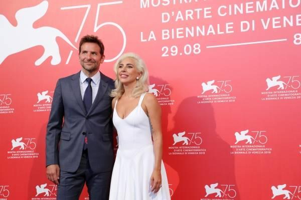 Lady Gaga e Bradley Cooper em estreia de Nasce uma Estrela, no Festival de Veneza