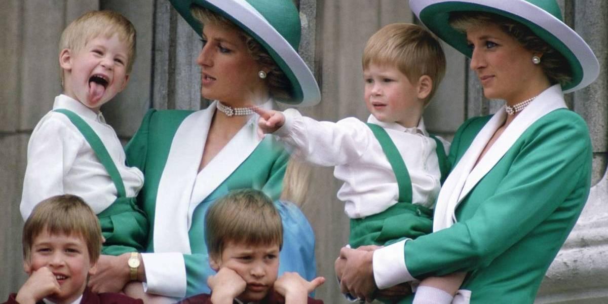 O momento marcante entre os príncipes Harry e William com Lady Di