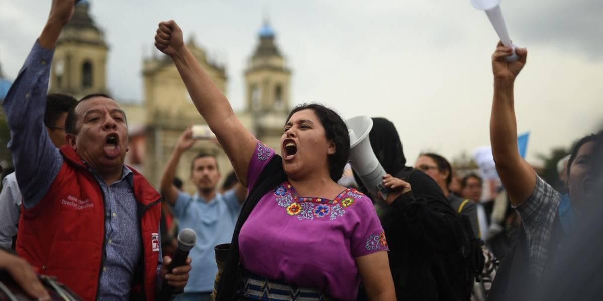 EN IMÁGENES. Guatemaltecos muestran su hartazgo en la Plaza de la Constitución