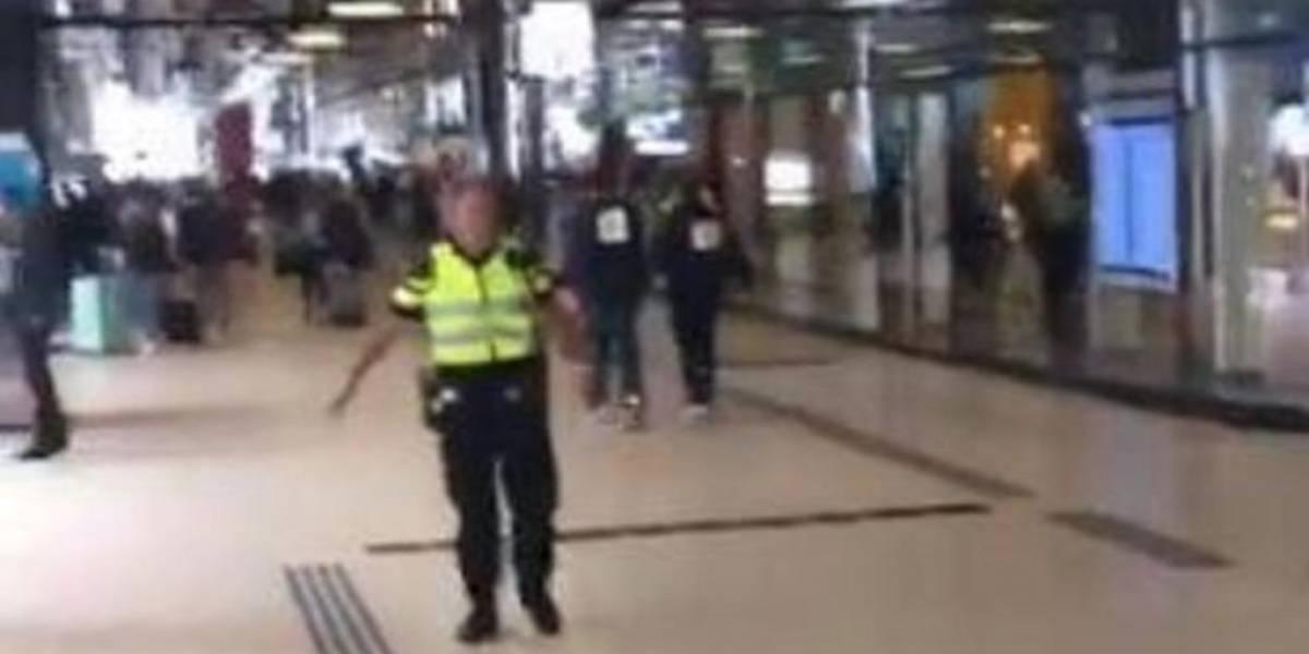 Homem esfaqueia 2 pessoas em estação de Amsterdã