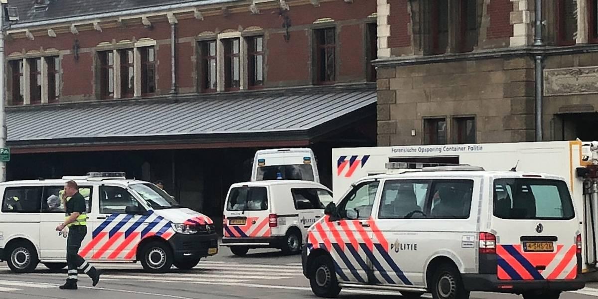 Policía balea a sospechoso tras apuñalamiento en Ámsterdam