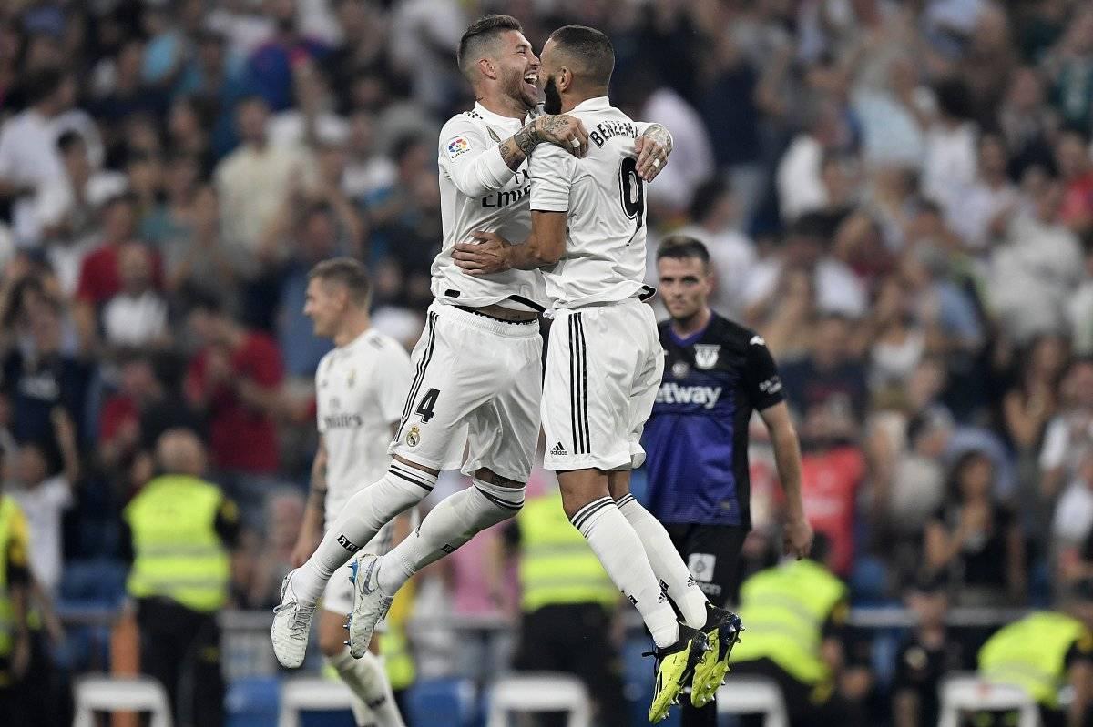 Sergrio Ramos festeja con Benzema