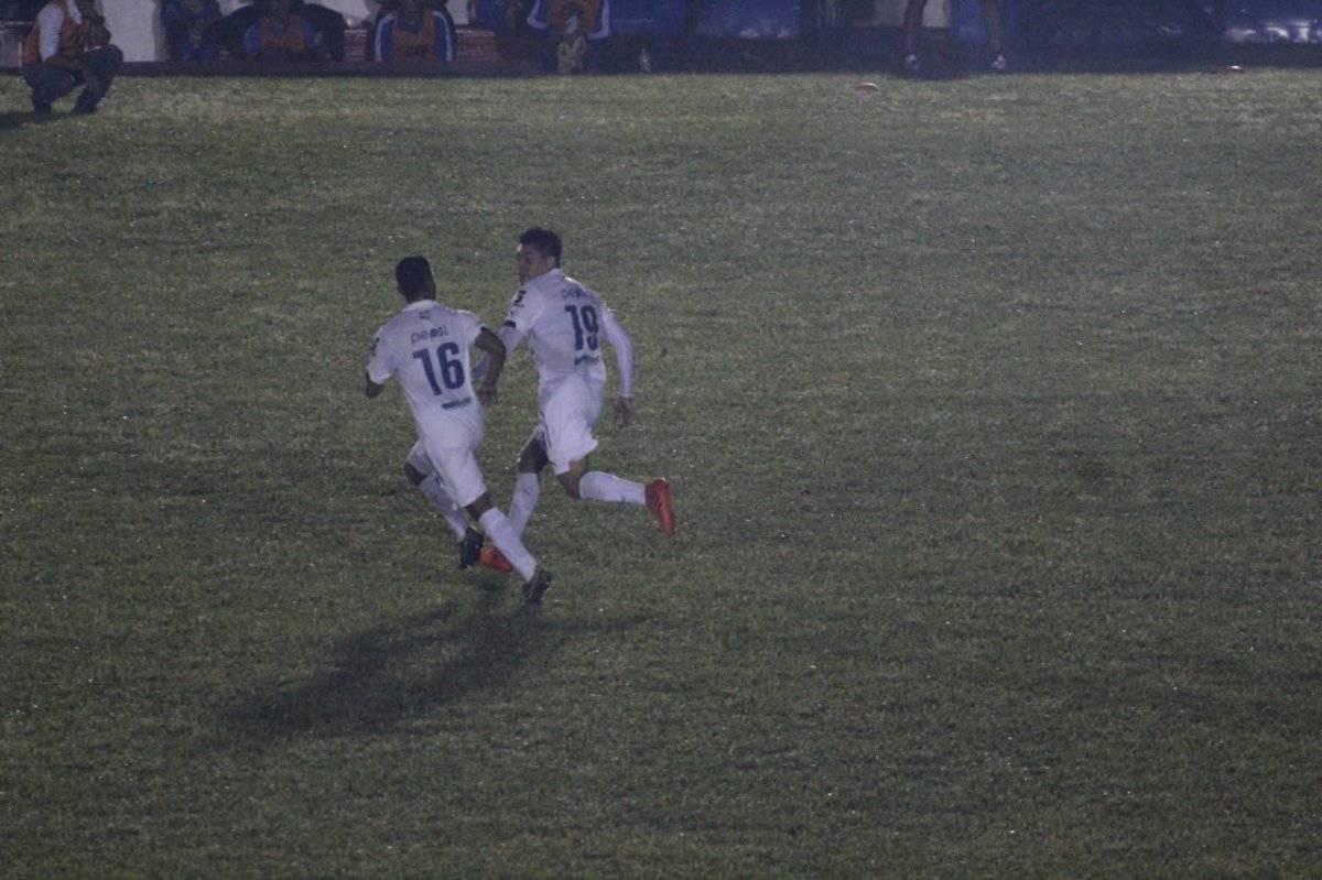 Betancourth marcó el primer gol de los cremas