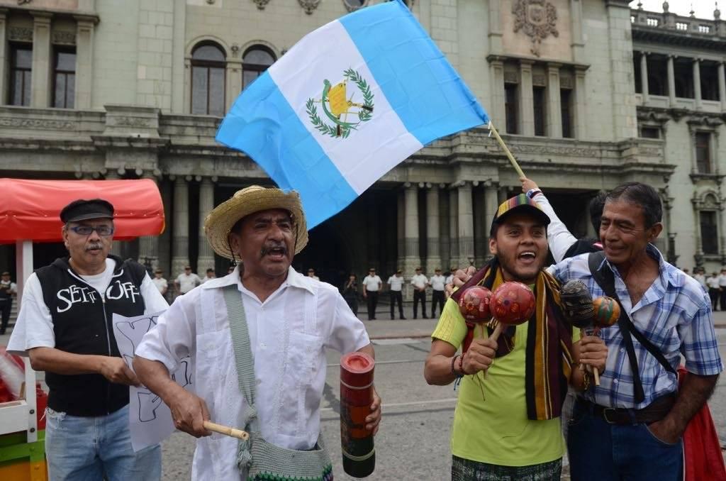 Ciudadanos apoyan el trabajo de la CICIG. Foto: Omar Solís