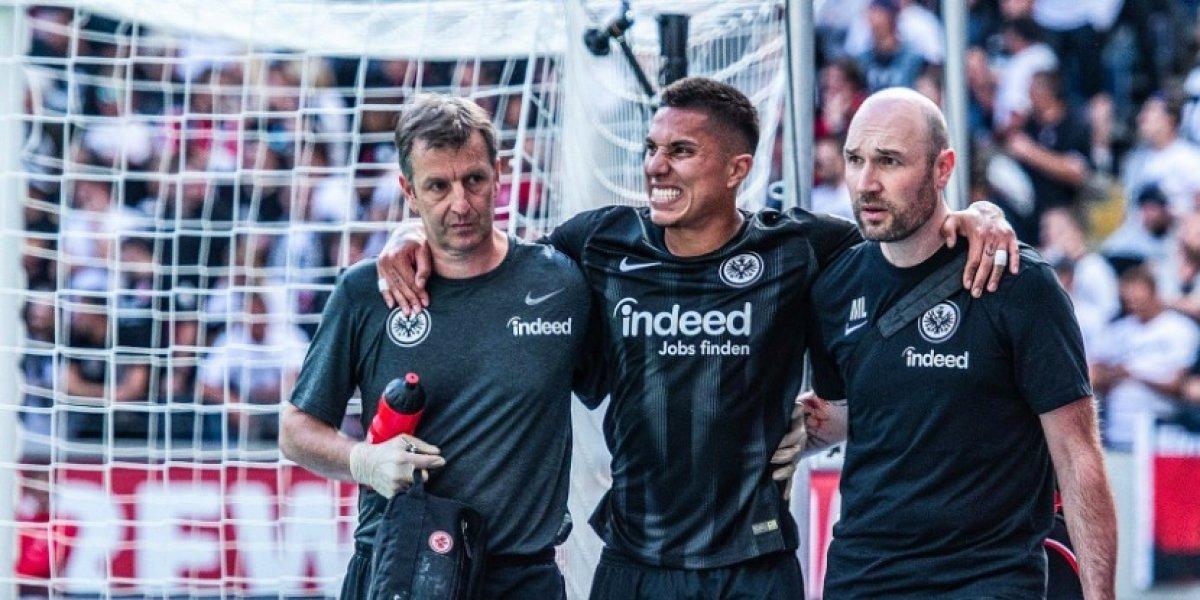 Carlos Salcedo sufrió lesión con el Frankfurt y es duda para amistosos del Tri