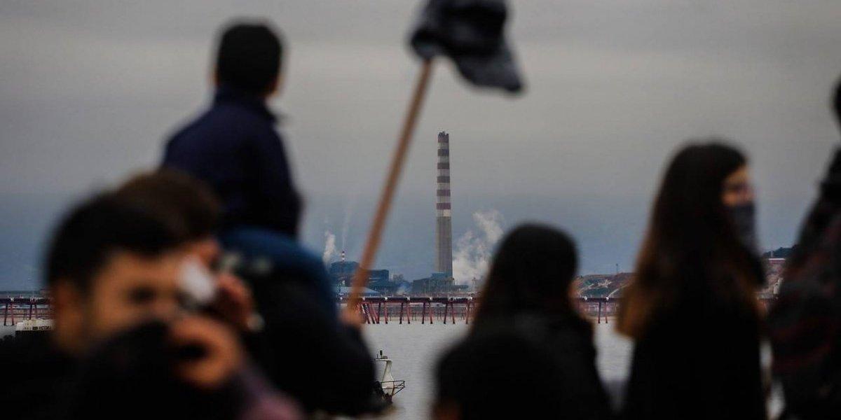 Pese a desconocer origen de nube tóxica en Quintero: reanudarán las clases el próximo martes