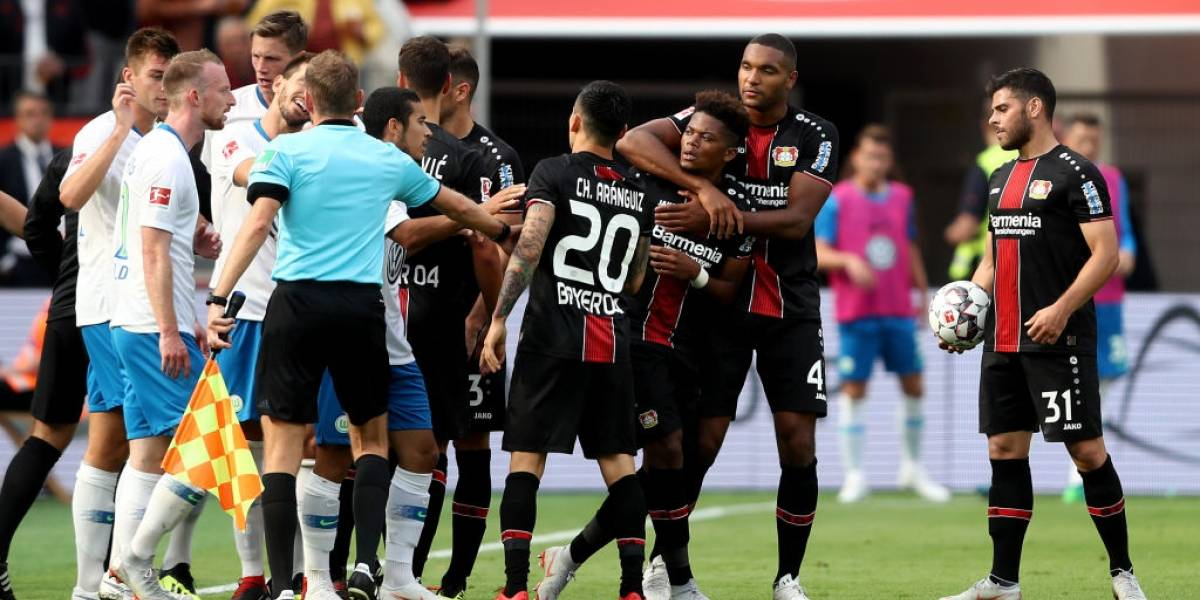 El difícil momento de Charles Aránguiz en Alemania: Suplente y colista con Bayer Leverkusen