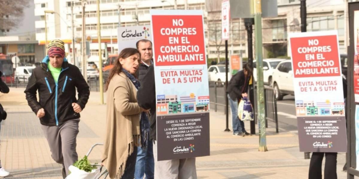 Parten las multas: hasta 240 mil pesos podrías pagar si compras en el comercio ambulante en la comuna de Las Condes