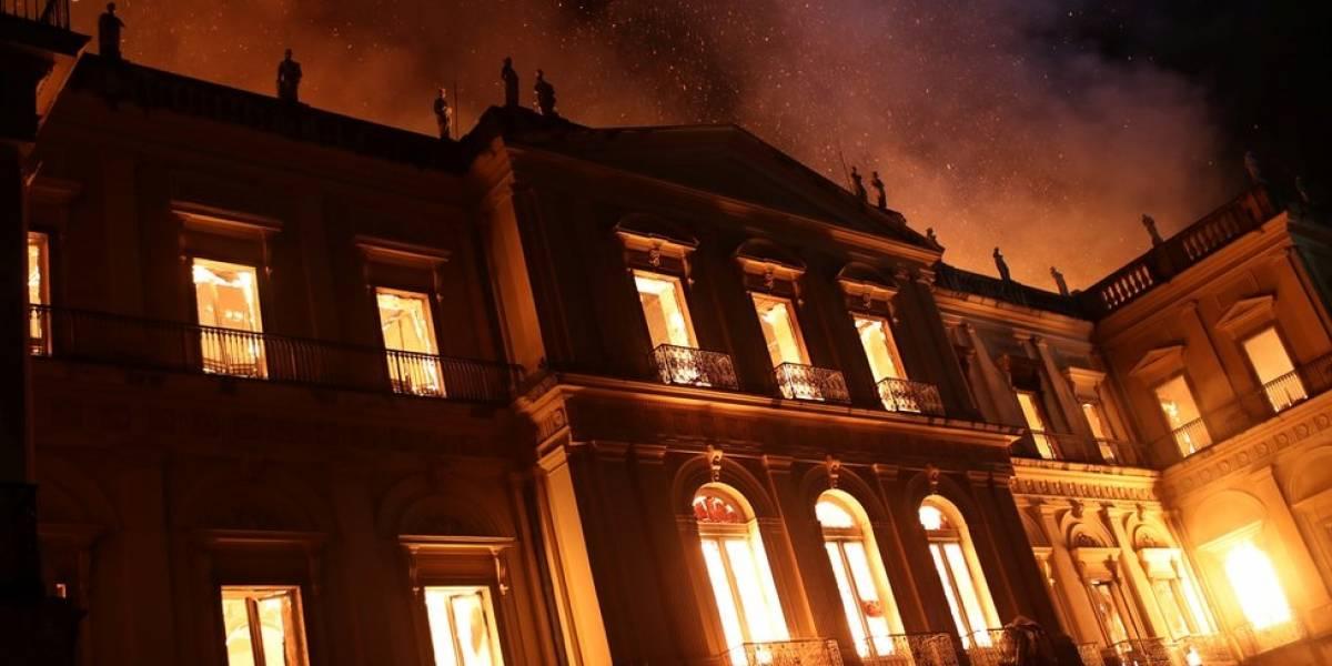 Resultado de imagem para museu rj pega fogo