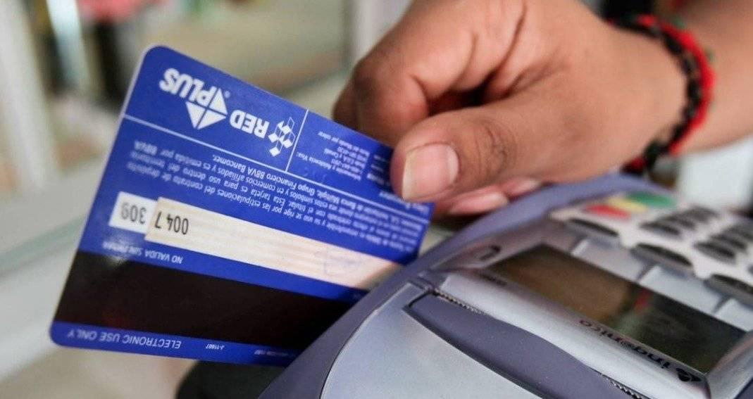 No pierdas de vista tus tarjetas de crédito y débito / Cuartoscuro