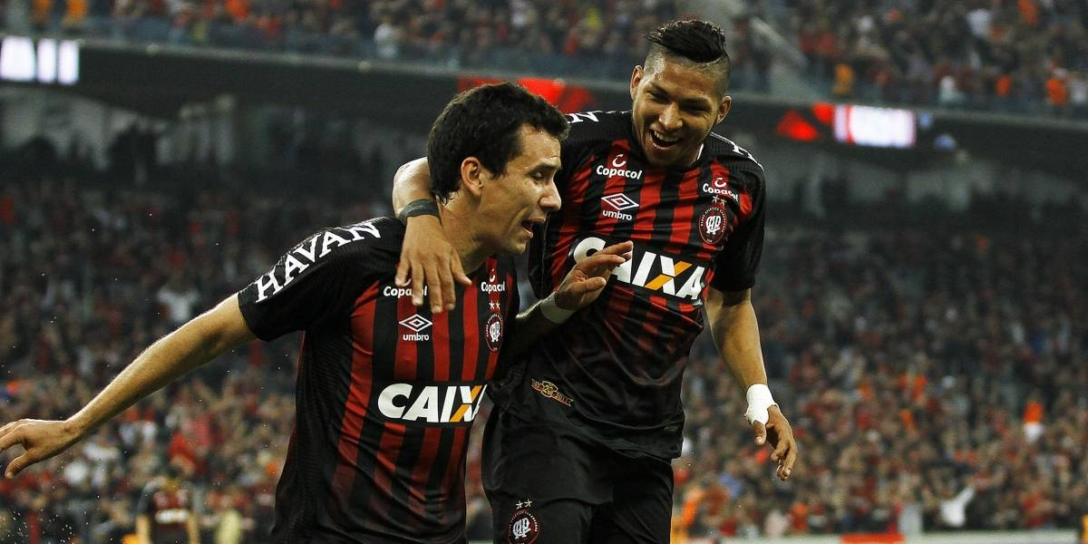 Com golaço de Pablo, Atlético-PR vence Bahia e mantém ascensão no Brasileirão