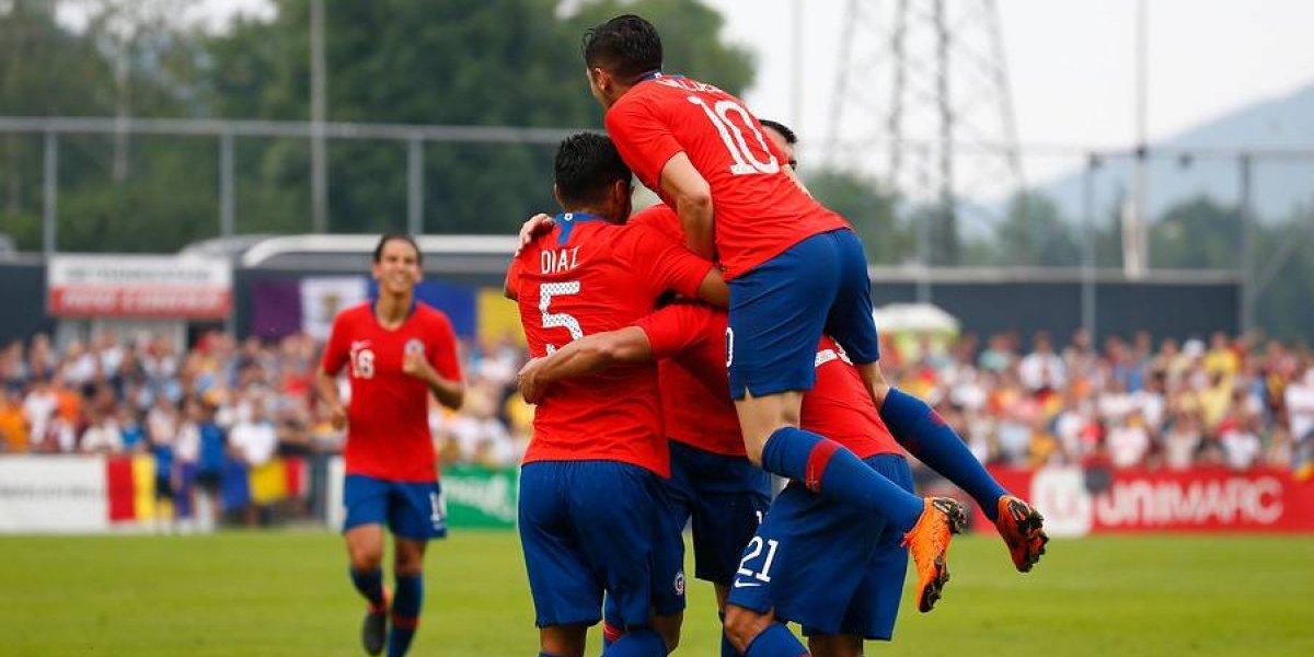 Vidal inquieta en la Roja por molestias en su rodilla