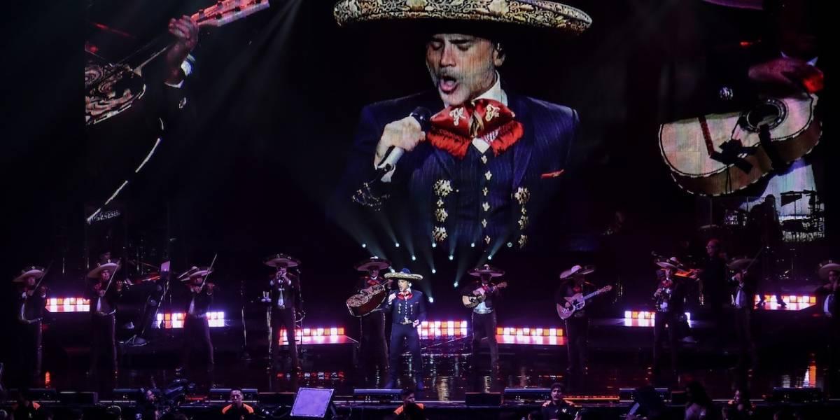Alejandro Fernández no muestra su mejor cara durante show